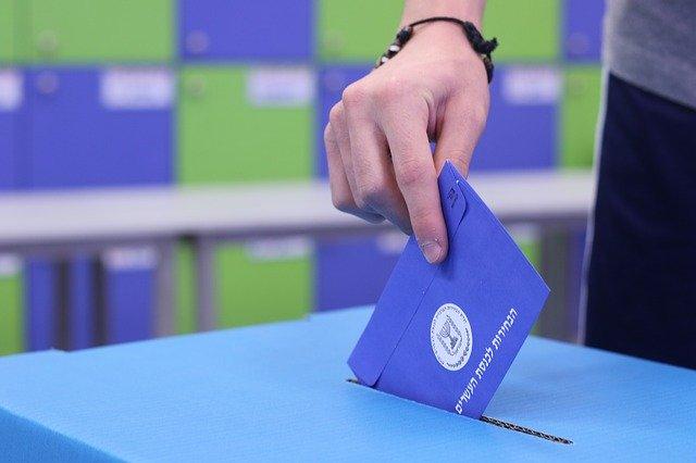 Volebný lístok pred vhodením.jpg