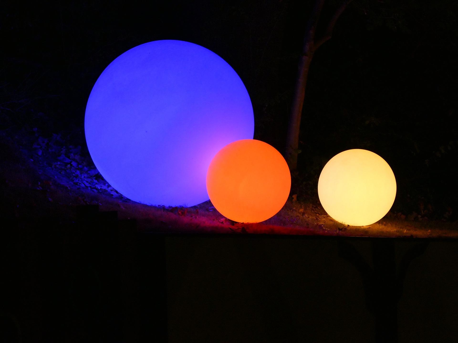 lights-961847_1920